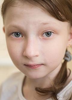 Даша Ларина, 9 лет, врожденный порок сердца, стеноз (сужение) протеза клапана легочной артерии, спасет операция. 1013596 руб.
