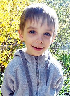 Родион Закуркин, 5 лет, врожденная левосторонняя косолапость, рецидив, требуется лечение. 151900 руб.