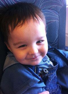 Максим Омельченко, 3 года, атрезия ануса и прямой кишки, требуется реконструктивная операция. 385245 руб.
