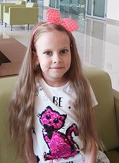 Алина Попова, 7 лет, диффузная ганглиоастроцитома – злокачественная опухоль головного мозга, спасет протонная терапия. 1953000 руб.
