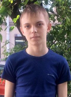 Дима Иванов, 16 лет, миелодиспластический синдром, спасет трансплантация костного мозга, требуются лекарства. 997506 руб.