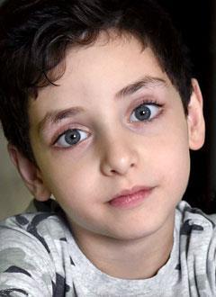 Арсен Варданян, 6 лет, врожденный порок сердца, спасет эндоваскулярная операция, требуется окклюдер. 302293 руб.