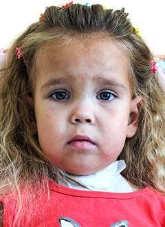 Полина Парфенова, 4 года, врожденный гормонорезистентный нефротический синдром, спасет пересадка почки, требуются лекарства. 4249490 руб.