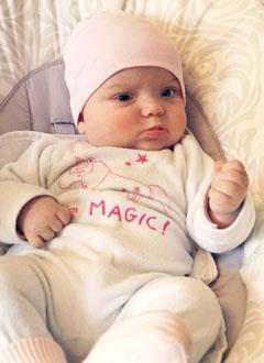 Алиса Игнатьева, 4 месяца, врожденная деформация черепа, требуется лечение специальными шлемами. 180000 руб.