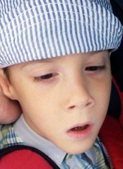 Самир Шарапов, 5 лет, детский церебральный паралич, спастический тетрапарез, требуется лечение. 199430 руб.