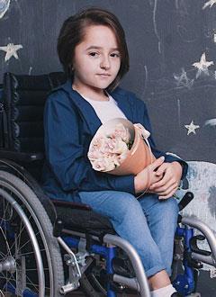Настя Головина, 17 лет, несовершенный остеогенез, требуется курсовое лечение. 527310 руб.