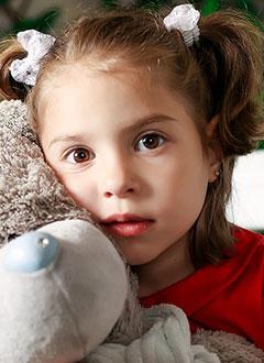 Соня Янкина, 3 года, фокальная кортикальная дисплазия (порок развития коры головного мозга), фармакорезистентная симптоматическая эпилепсия, требуется операция в клинике Шён (Фогтаройт, Германия). 3767724 руб.