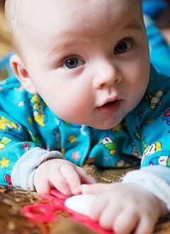 Саша Кудинов, 6 месяцев, акушерский паралич справа, спасет многоэтапное хирургическое лечение. 813750 руб.