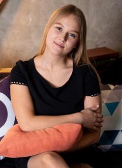 Амалия Бальцер, 16 лет, ампутация левой ноги – последствие травм, полученных в результате ДТП, требуется протезирование в Центре протезирования и реабилитации Новавис (Вальденбух, Германия). 6019402 руб.