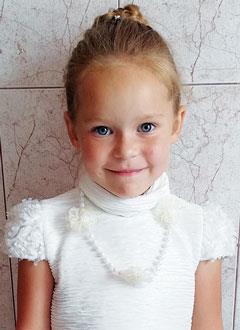 Карина Красилова, 6 лет, двусторонняя сенсоневральная тугоухость 3-й степени, требуются слуховые аппараты. 113177 руб.