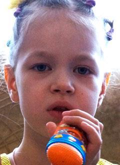 Вика Панкратова, 6 лет, туберозный склероз, симптоматическая фокальная эпилепсия, спасет лекарство. 446260 руб.