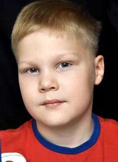 Алеша Нечаев, 6 лет, тяжелый врожденный порок сердца, коарктация (сужение) аорты, спасет эндоваскулярная операция. 320075 руб.