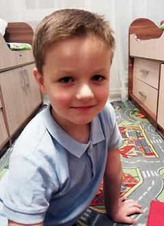 Паша Кожевников, 6 лет, двусторонняя тугоухость 3-й степени, требуются слуховые аппараты. 219279 руб.