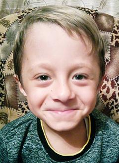 Матвей Митрофанов, 7 лет, несовершенный остеогенез, требуется курсовое лечение. 527310 руб.