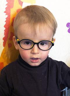 Андрей Рыжов, 2 года, сходящееся косоглазие, требуется этапное хирургическое лечение. 182714 руб.