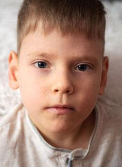 Сережа Максимов, 6 лет, Spina bifida, требуется комплексное обследование и план лечения. 976500 руб.