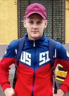Олег Жилин, 17 лет, врожденный порок сердца, спасет эндоваскулярная операция – радиочастотная абляция, требуются расходные материалы. 375974 руб.
