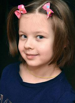 Вера Гончарова, 6 лет, врожденный порок сердца, спасет эндоваскулярная операция. 332010 руб.