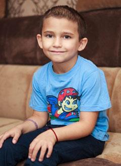 Сархан Бурлуцкий, 6 лет, состояние после трепанации черепа, спасет операция, требуются саморассасывающиеся пластины. 406875 руб.