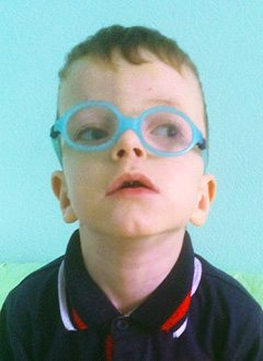 Тёма Гнащенко, 5 лет, остеопетроз – редкое генетическое заболевание, требуется плановое обследование в медицинском центре «Хадасса Медикал Сколково» (Москва). 76384 руб.
