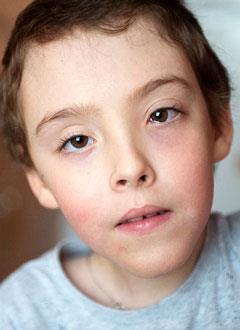 Алеша Куроленко, 7 лет, Spina bifida, требуется комплексное обследование и план лечения. 976500 руб.