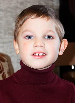 Лева Чесноков, 6 лет, состояние после трепанации черепа, спасет операция, требуется имплантат. 1182867 руб.