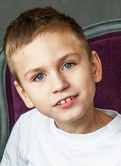Никита Сенцов, 11 лет, детский церебральный паралич, требуются ходунки. 319858 руб.