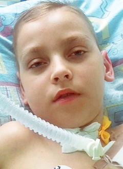Юра Курильный, 10 лет, редкое генетическое заболевание – Х-сцеплeнная адренолейкодистрофия, требуется аппарат искусственной вентиляции легких. 1097832 руб.