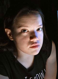 Ксюша Тихонович, 17 лет, врожденный правосторонний грудопоясничный сколиоз 4-й степени, аномалия развития позвоночника, спасет операция. 1043510 руб.