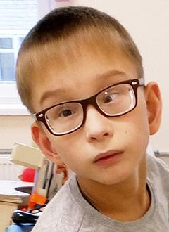 Матвей Осипов, 10 лет, детский церебральный паралич, требуется ортопедический аппарат. 92125 руб.