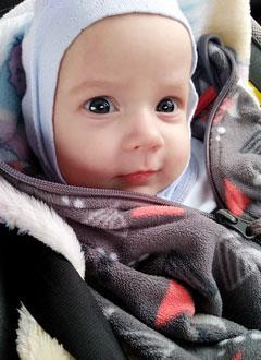 Артем Курчеев, 4 месяца, деформация черепа, требуется лечение специальными шлемами. 180000 руб.
