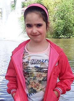 Диана Кверквелия, 11 лет, недоразвитие челюсти, сужение нижнего зубного ряда, требуется ортодонтическое лечение. 320000 руб.