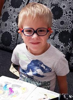 Миша Лебедев, 5 лет, сахарный диабет 1-го типа, требуется инсулиновая помпа и расходные материалы к ней на год. 208945 руб.