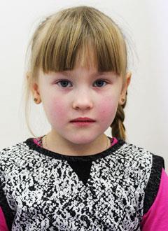 Варя Ермакова, 6 лет, врожденная деформация левой стопы, рецидив, требуется лечение. 172072 руб.