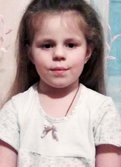 Арина Сахарова, 5 лет, врожденная левосторонняя косолапость, рецидив, требуется лечение. 153440 руб.