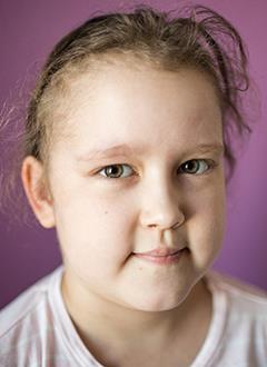 Камилла Кочешкова, 8 лет, острый лимфобластный лейкоз, спасет трансплантация костного мозга, требуются лекарства. 2215950 руб.